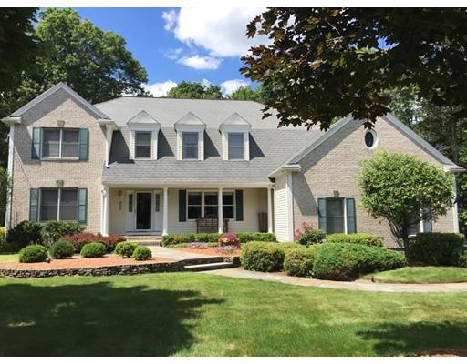 Maison unifamiliale pour l Vente à 11 Kerry Lane Easton, Massachusetts 02356 États-Unis