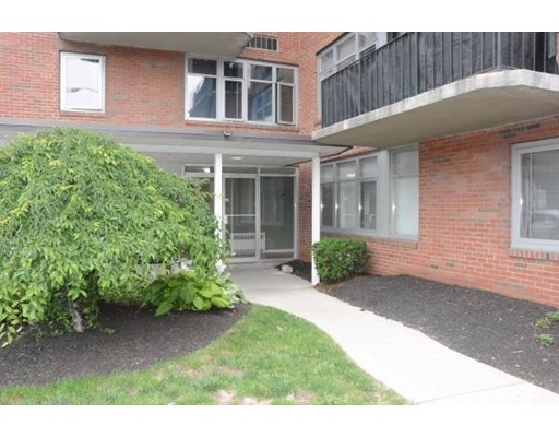 Casa Unifamiliar por un Alquiler en 125 Trapelo Road Belmont, Massachusetts 02478 Estados Unidos