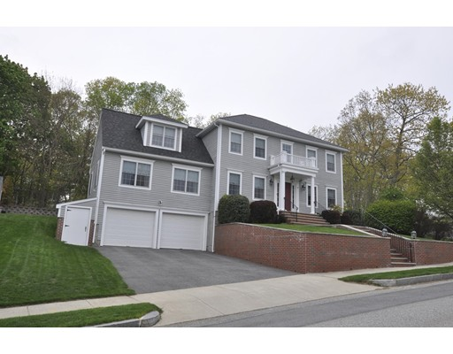 Single Family Home for Sale at 27 Murdoch Road Stoneham, Massachusetts 02180 United States