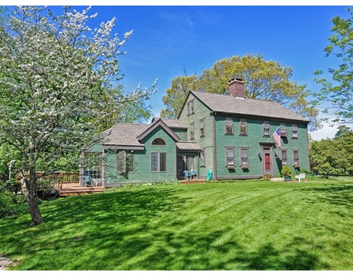Single Family Home for Sale at 4 Ridgeland Drive Cumberland, Rhode Island 02864 United States