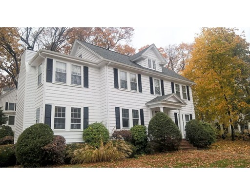 Casa Unifamiliar por un Alquiler en 507 Lowell Avenue Newton, Massachusetts 02460 Estados Unidos
