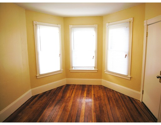 Additional photo for property listing at 115 Bullard Street  New Bedford, 马萨诸塞州 02746 美国