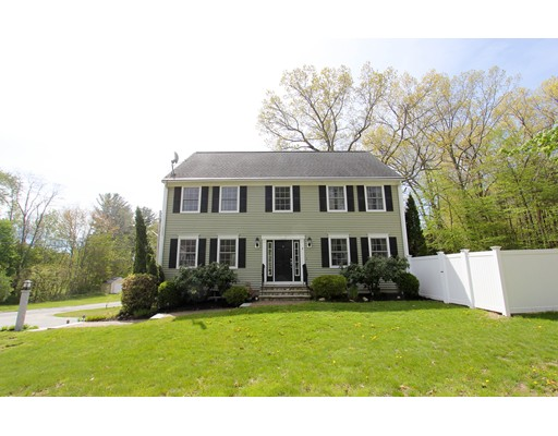 Single Family Home for Sale at 7 Middle Road Amesbury, Massachusetts 01913 United States