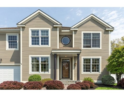 Single Family Home for Sale at 14 Garden Lane Wakefield, Massachusetts 01880 United States