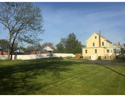 40 Willow Ave, Dracut, MA 01826