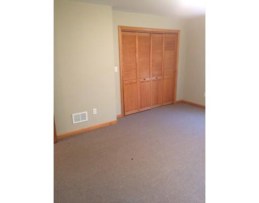 Casa Unifamiliar por un Alquiler en 31 Lauriat Boston, Massachusetts 02124 Estados Unidos