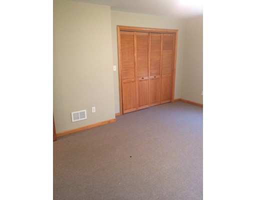 Additional photo for property listing at 31 Lauriat  Boston, Massachusetts 02124 Estados Unidos