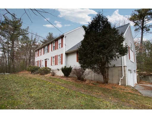 Single Family Home for Sale at 117 Chestnut Street Upton, Massachusetts 01568 United States