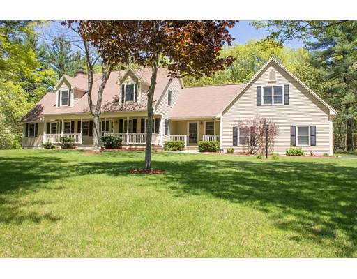 Single Family Home for Sale at 13 Bicknell Mendon, Massachusetts 01756 United States