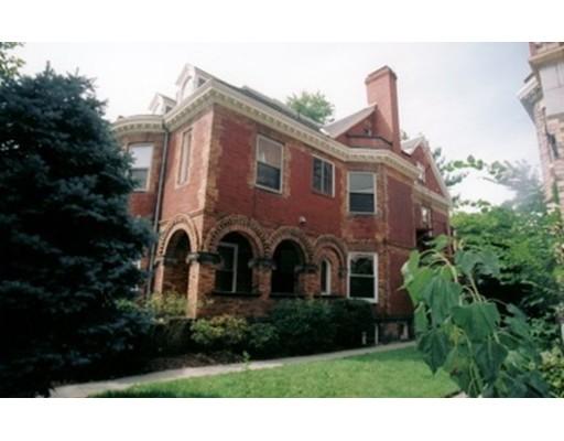 Casa Unifamiliar por un Alquiler en 1760 Beacon Brookline, Massachusetts 02445 Estados Unidos