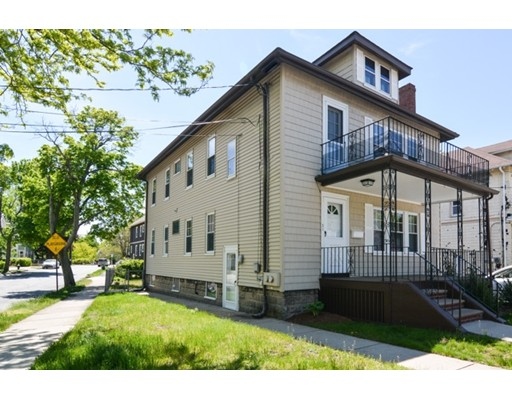 Casa Multifamiliar por un Venta en 75 Windsor Street Arlington, Massachusetts 02474 Estados Unidos