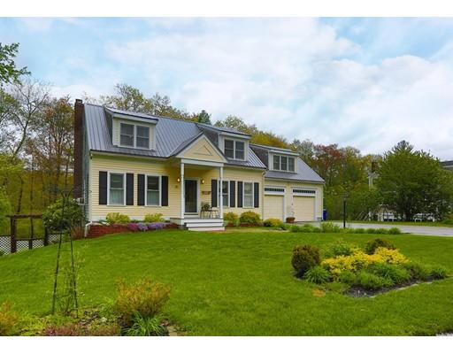 Maison unifamiliale pour l Vente à 10 Bay Path Lane Rockland, Massachusetts 02370 États-Unis