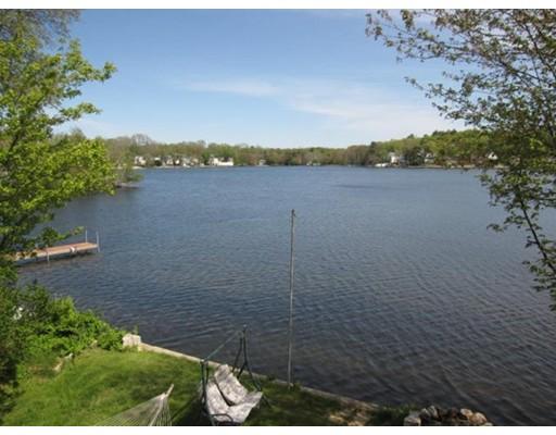 Casa Unifamiliar por un Venta en 70 Uxbridge Road Mendon, Massachusetts 01756 Estados Unidos