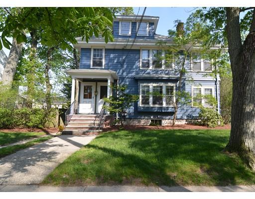 Casa Multifamiliar por un Venta en 119 Medford Street Arlington, Massachusetts 02474 Estados Unidos