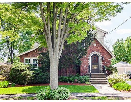 Single Family Home for Sale at 49 Farnham Street Belmont, Massachusetts 02478 United States