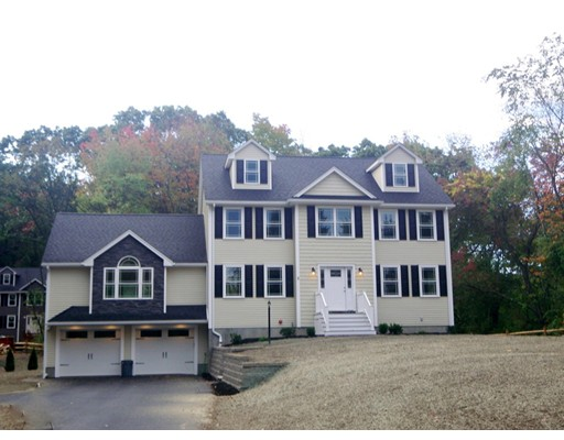 Casa Unifamiliar por un Venta en 3 Clermore Road Billerica, Massachusetts 01821 Estados Unidos