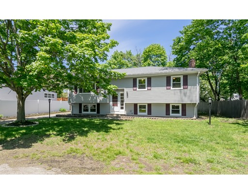 21 Center Ave, Reading, MA 01867