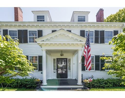 Частный односемейный дом для того Продажа на 44 Court Street Dedham, Массачусетс 02026 Соединенные Штаты