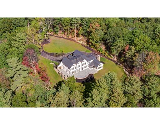واحد منزل الأسرة للـ Sale في 79 Walnut Road Weston, Massachusetts 02493 United States
