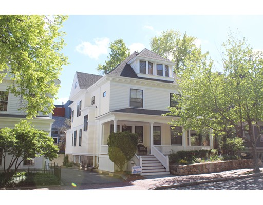 Condominio por un Venta en 326 Harvard Street Cambridge, Massachusetts 02139 Estados Unidos