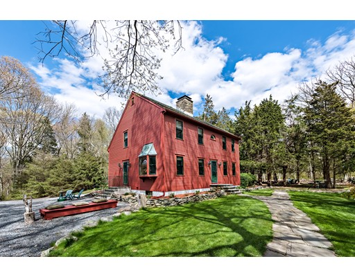 独户住宅 为 销售 在 253 Cummings Road Swansea, 马萨诸塞州 02777 美国