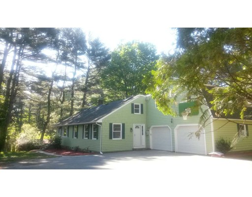 Picture 2 of 523 Hudson  Sudbury Ma 4 Bedroom Single Family