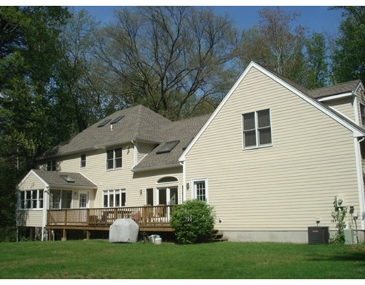 Additional photo for property listing at 21 Lake Street  Norfolk, Massachusetts 02056 Estados Unidos