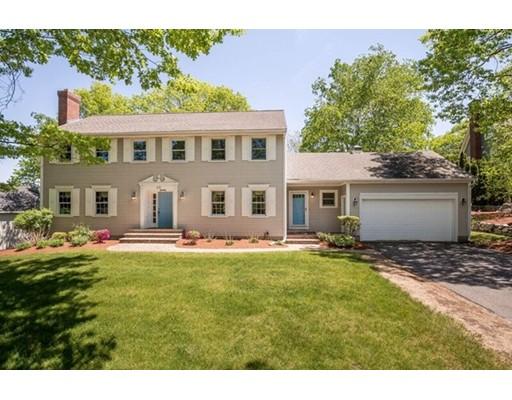 Maison unifamiliale pour l Vente à 25 Holland Road Wakefield, Massachusetts 01880 États-Unis
