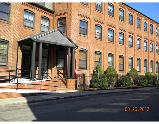 10 Weston Ave 301, Quincy, MA 02170
