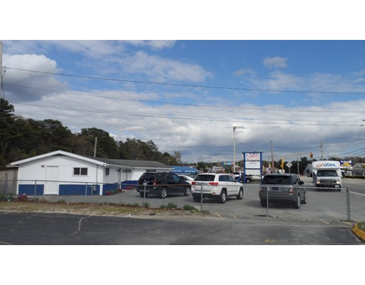 Commercial pour l Vente à 3070 Cranberry Highway 3070 Cranberry Highway Wareham, Massachusetts 02538 États-Unis