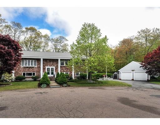 Maison unifamiliale pour l Vente à 81 Waterford Drive Weymouth, Massachusetts 02188 États-Unis