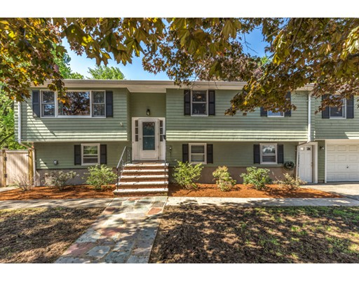 Picture 1 of 140 Parker Rd  Wakefield Ma  5 Bedroom Single Family