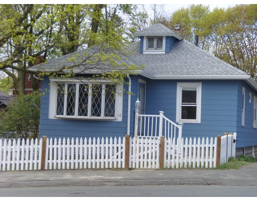 Picture 1 of 38 Elm St  Stoneham Ma  2 Bedroom Single Family#