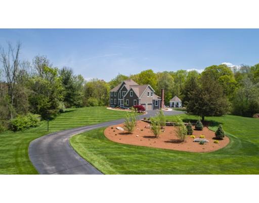 Maison unifamiliale pour l Vente à 1 Foxwood Lane Northborough, Massachusetts 01532 États-Unis