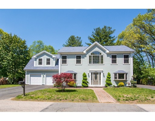 Casa Unifamiliar por un Venta en 5 Elmwood Road Canton, Massachusetts 02021 Estados Unidos