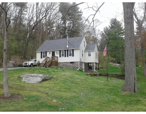 Single Family Home for Sale at 101 Old Common Road Auburn, Massachusetts 01501 United States