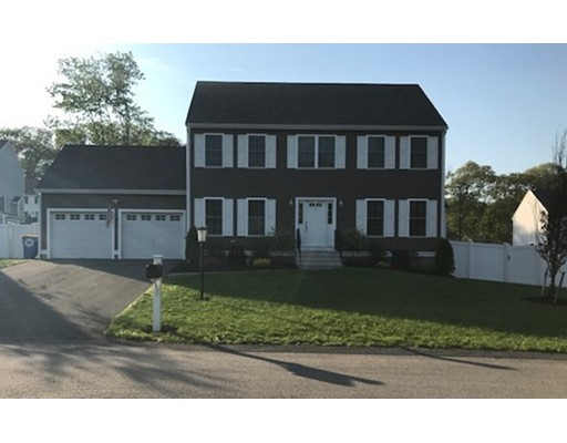 Casa Unifamiliar por un Venta en 30 Brackett Lane Stoughton, Massachusetts 02072 Estados Unidos