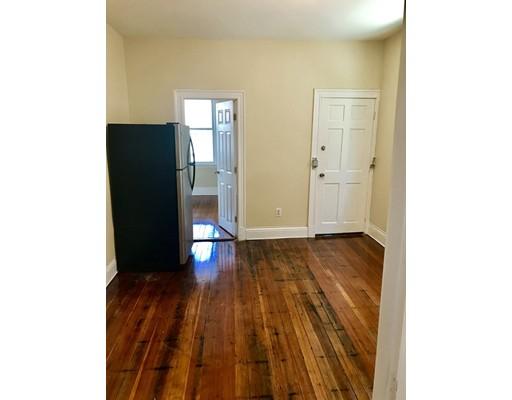 独户住宅 为 出租 在 111 Harrishof Street 波士顿, 马萨诸塞州 02121 美国