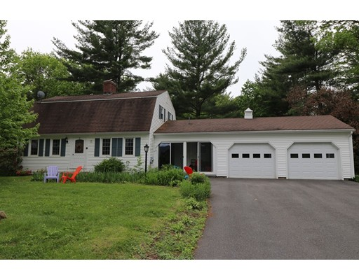 Single Family Home for Sale at 48 Westview Ter Easthampton, Massachusetts 01027 United States