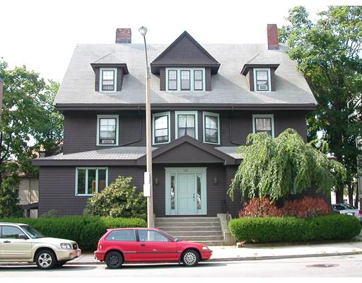 独户住宅 为 出租 在 122 Englewood Avenue 波士顿, 马萨诸塞州 02135 美国