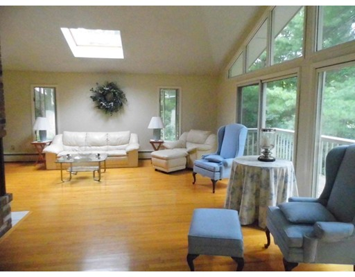 Additional photo for property listing at 24 Cove Circle  Marion, Massachusetts 02738 Estados Unidos