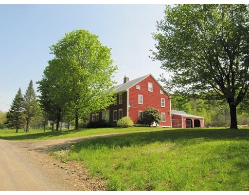 Casa Unifamiliar por un Venta en 181 Goss Hill Road Huntington, Massachusetts 01050 Estados Unidos