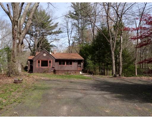 Single Family Home for Sale at 296 Daniel Shays Hwy Belchertown, Massachusetts 01007 United States