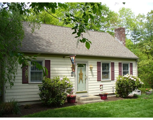 Single Family Home for Sale at 8 Westwood Drive Belchertown, Massachusetts 01007 United States