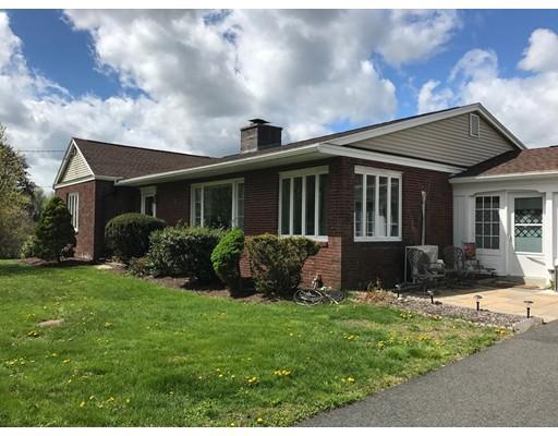 Частный односемейный дом для того Аренда на 863 Ridge Road 863 Ridge Road Wilbraham, Массачусетс 01095 Соединенные Штаты