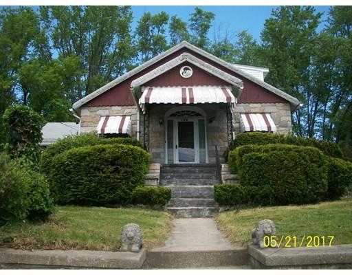 Maison unifamiliale pour l Vente à 764 Cass Avenue Woonsocket, Rhode Island 02895 États-Unis