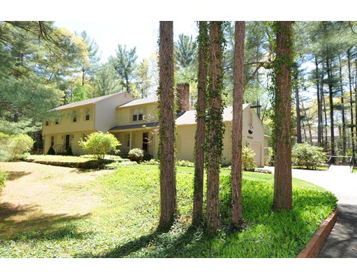 Single Family Home for Sale at 25 Meetinghouse Road Duxbury, Massachusetts 02332 United States