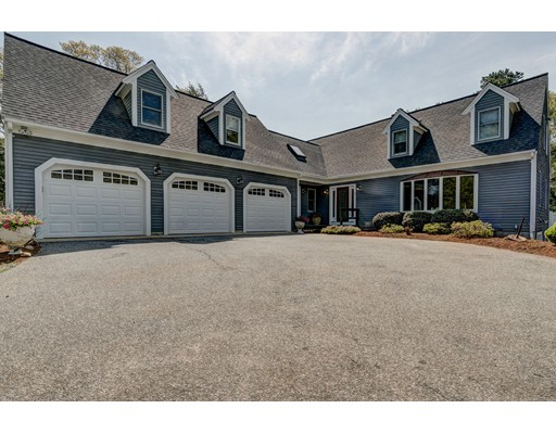 Single Family Home for Sale at 5 Pioneer Path Barnstable, Massachusetts 02668 United States