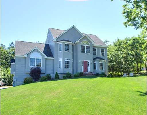 Maison unifamiliale pour l Vente à 35 Mallard Lane Sandown, New Hampshire 03873 États-Unis
