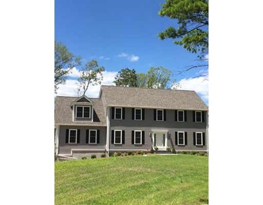 Casa Unifamiliar por un Venta en 10 Anna Place Holliston, Massachusetts 01746 Estados Unidos